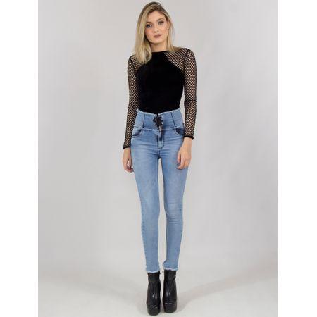Calça Jeans Com Corpete E Ilhós