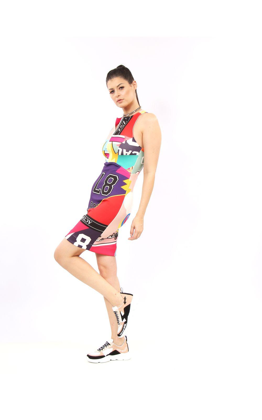 2c689eec6 ... Foto 2 - Vestido Curto De Malha Estampa Sport Patchwork ...