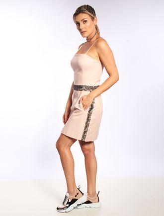 Vestido-Curto-Com-Detalhes-De-Cetim-Alca-E-Bordado