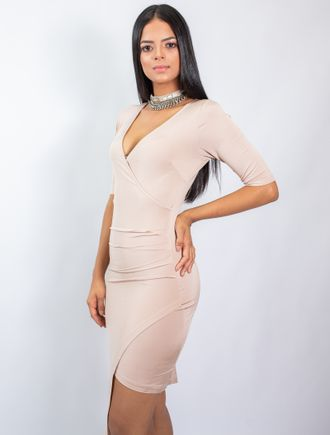 Vestido-Curto-De-Malha-Com-Barra-De-Ponta