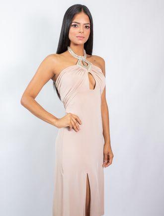 Vestido-Curto-De-Malha-Com-Fenda-E-Colar-Bordado