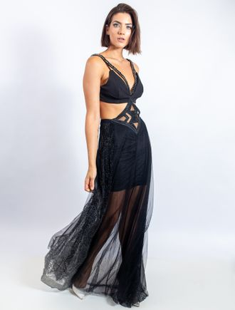 Vestido-Longo-De-Tule-Com-Recortes-Bordados-E-Tran