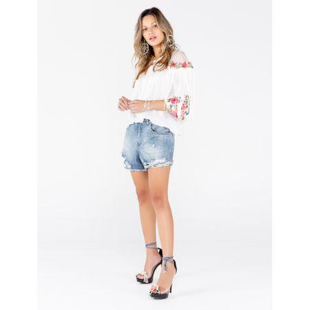 Short Jeans Com Rasgos