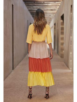 Conjunto-Blusa-Saia-Com-Camadas-E-Elastico-Cintura-Amarelo